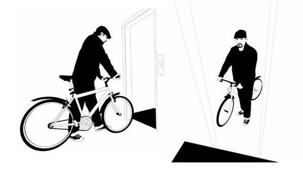 Entrar con bicicleta a un ascensor amplio