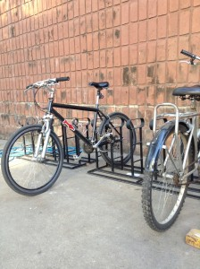 Bicicletero de la playa de Paraguay 861